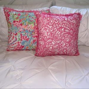 Reversible Lilly Pulitzer Pillow Set